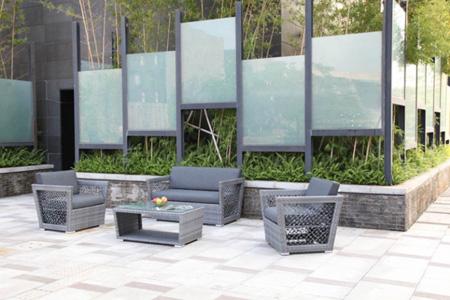 بازسازی فضای بالکن و حیاط خلوت, دکوراسیون بهاری خانه